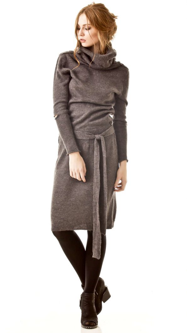 AMANDINE // grey turtleneck dress
