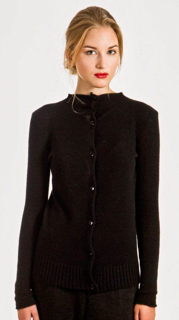 Black short cashmere cardigan damen strickjacke HELEN | Cashmere sweaters and cardigans by Krista Elsta Knitwear
