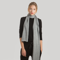 New arrivals: Cashmere scarf LAY