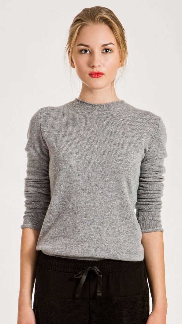 Grey cashmere crew neck sweater damen pullover KAREN | Cashmere sweaters and cardigans by Krista Elsta Knitwear