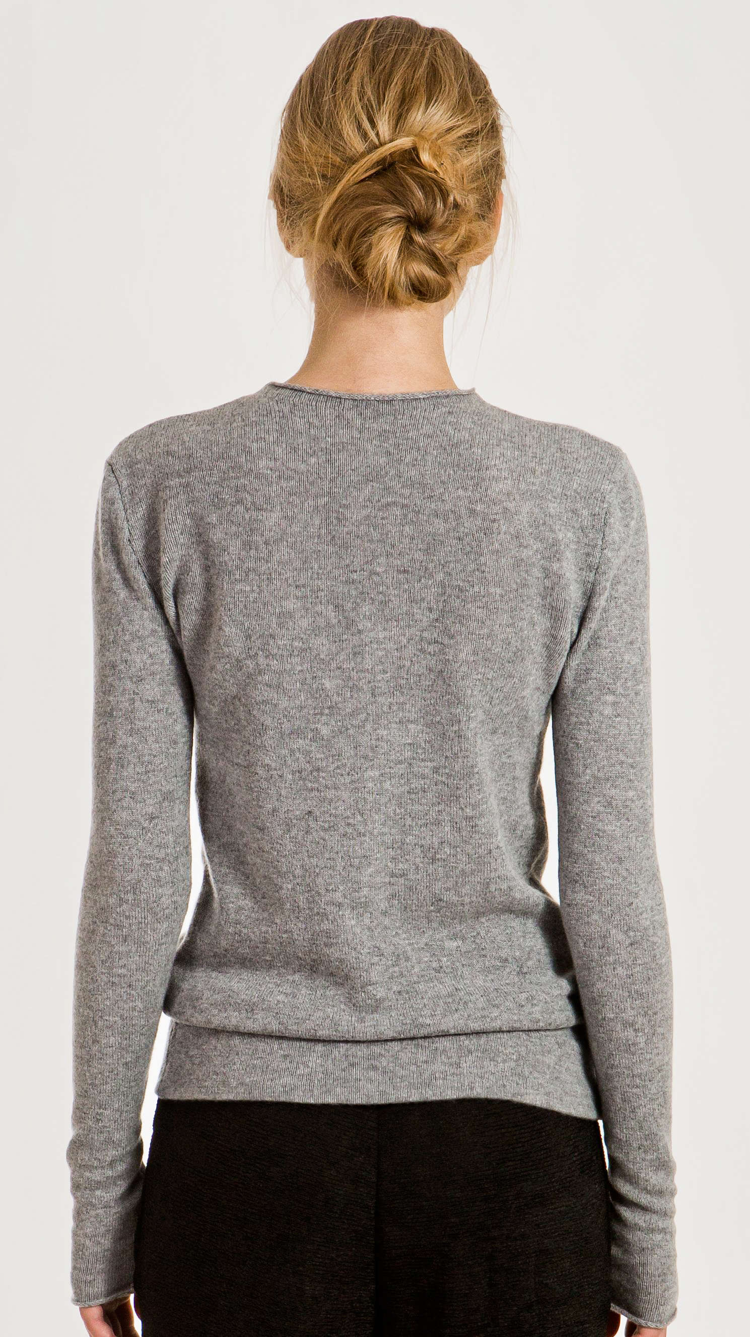 Buy Diesel Grey K-Must Distressed Crewneck Sweater on hereufilbk.gq and get free shipping & returns in US. Long sleeve knit alpaca wool-blend sweater in grey. Distressing throughout. Rib knit crewneck collar, cuffs, and hem. Tonal stitching.